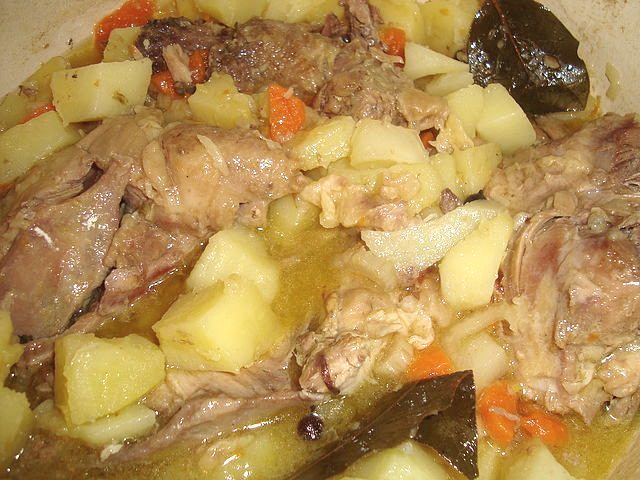 Тушёный картофель с курицей рецепт с фото пошагово